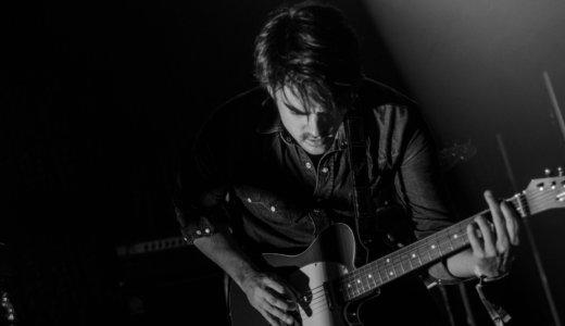 ギター初心者の練習にはアジカンがおすすめ。具体的な練習曲も紹介。