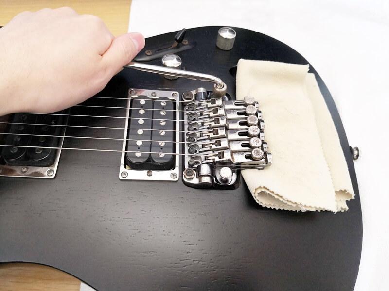 ロック式ギターの弦交換のコツ