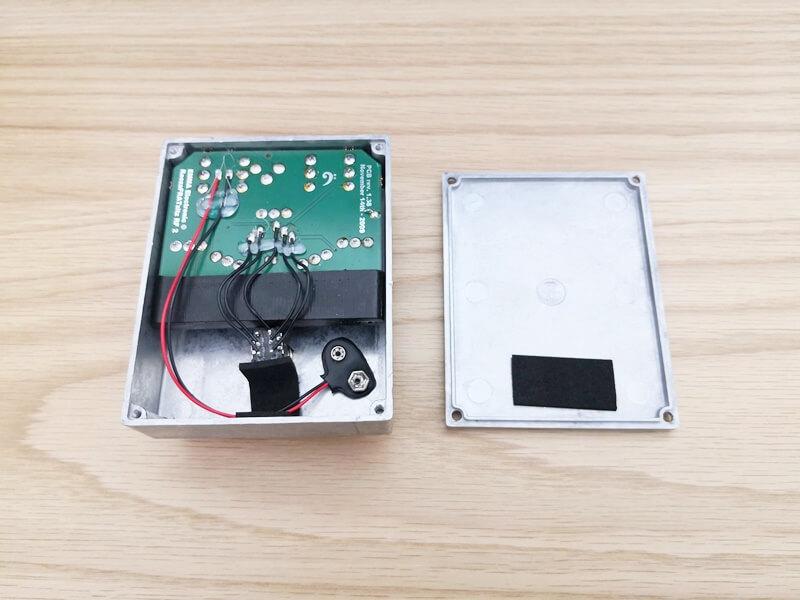 ReezaFRATzitzのバッテリー収納