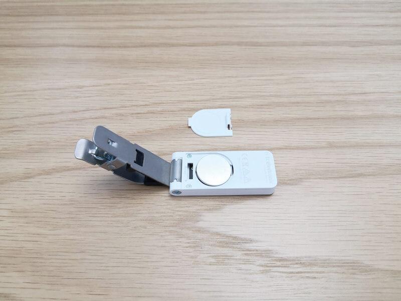 UNITUNE CLIPの電池スロット