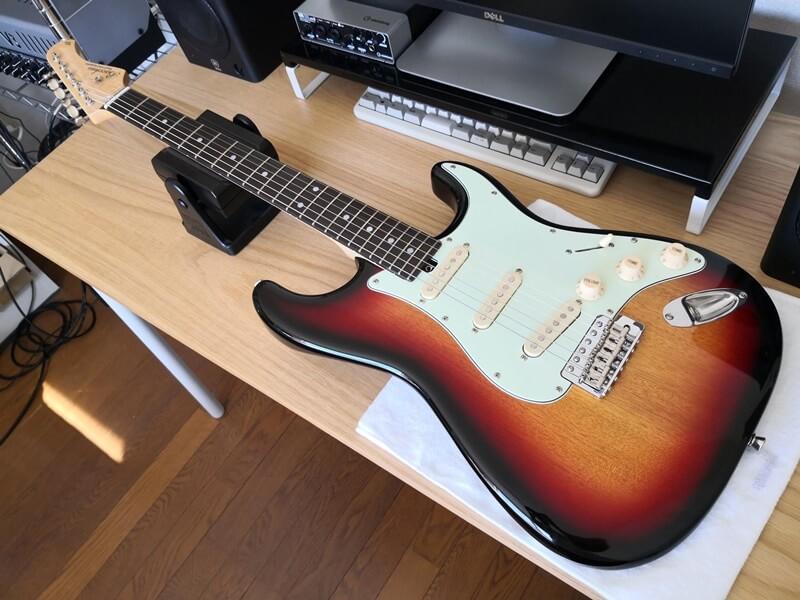 エレキギターの弦交換が終了
