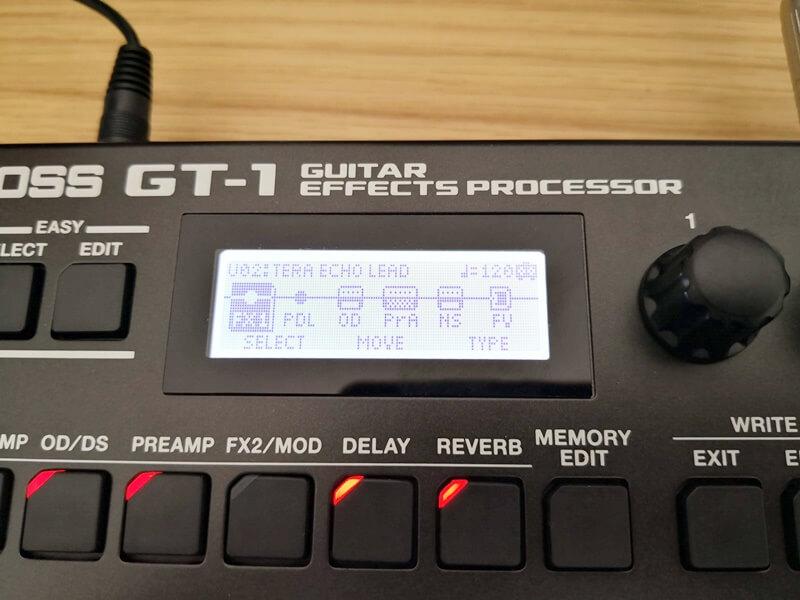 BOSS GT-1のディスプレイ