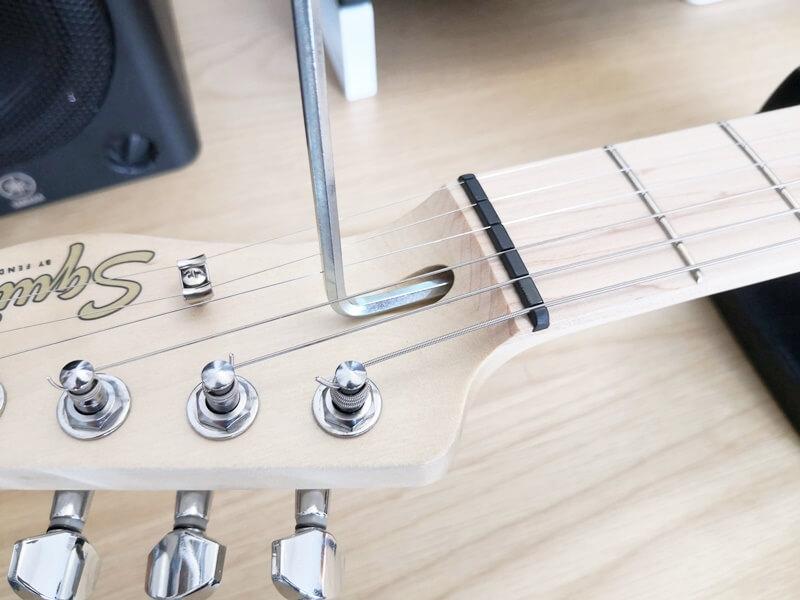 エレキギターのネック調整