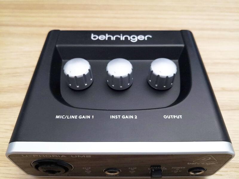 Behringer UM2のツマミ