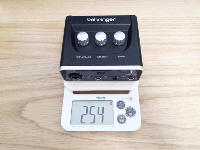 Behringer UM2の重さ