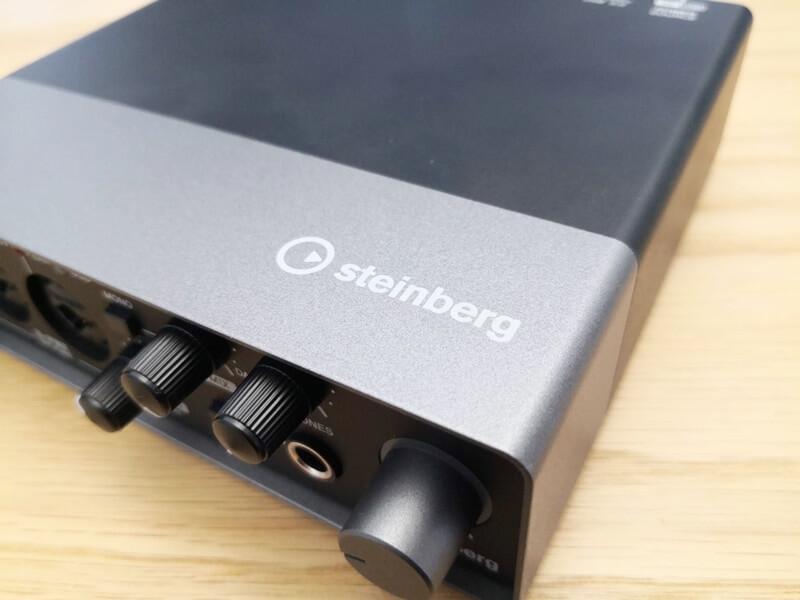 Steinberg UR22Cのメタルボディ