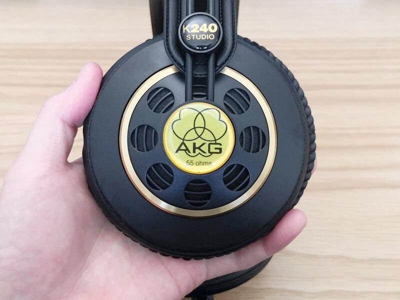 AKG K240 Studioのハウジング