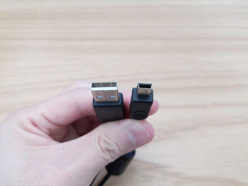 USB Mini-Bのケーブル